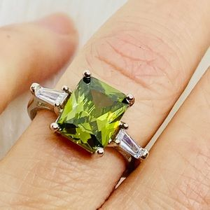 Peridot Princess Cut 925 Sterling Silver Ring